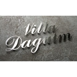 Personalized assembled lettering – Brushed stainless steel – 3mm thick – 3,94 inch high – Choice of names