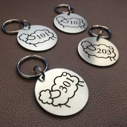 Keyrings to be personalized – Laser etching – Diameter : 1,57 inches (40 mm) – Text