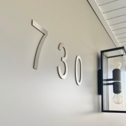 The Arial design – Brushed stainless steel figure – 3mm thick - From 5,91 to 7,87 inches (150 to 200mm)