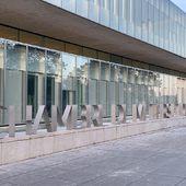 Réalisation de l enseigne en inox ep10mm pour la «Chambre de métiers et de l artisanat» de Lille . En collaboration avec la société Concerto pour l etude globale et Derichebourg pour la pose . #cma #inox #enseigne #chambredemetiers