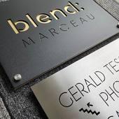 Plaque professionnelle . #inox #laiton #madeinfrance @blendmarceau_coworking